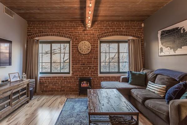 14 Sanford St, Medway, MA, 02053, Norfolk Home For Sale