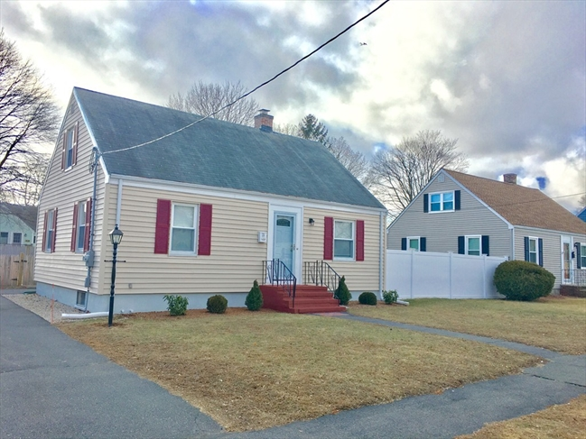 25 Griffin Road Peabody MA 01960