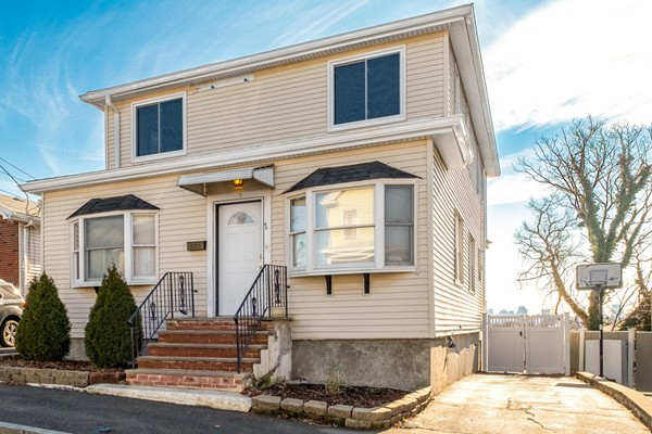 42 Howard St, Revere, MA, 02151, Suffolk Home For Sale