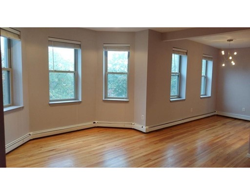 390 Riverway Boston MA 02115