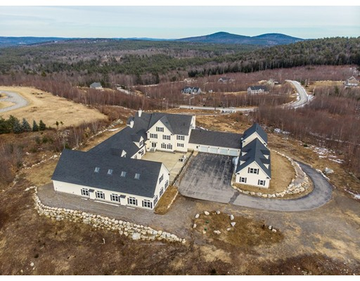 104 Foxberry Dr, New Boston, NH 03070