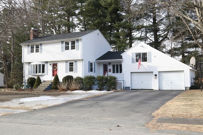 26 ORCHARD Drive North Reading MA 01864