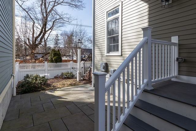38 Maple Ln, Medfield, MA, 02052, Norfolk Home For Sale