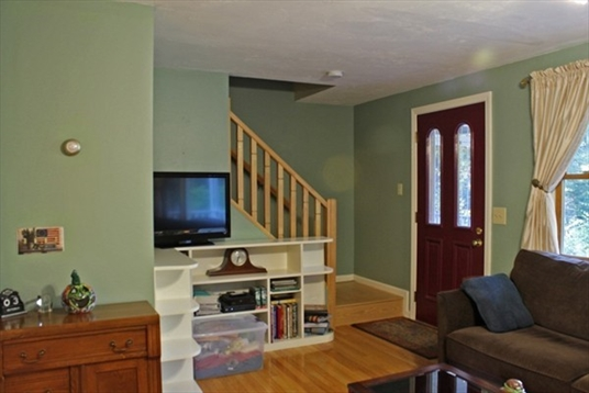 544 Old Winchester Rd, Warwick, MA: $280,000