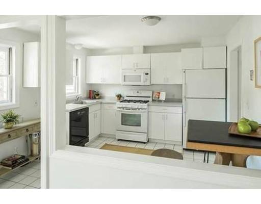 35 Cottage St 35, Newton, MA 02464