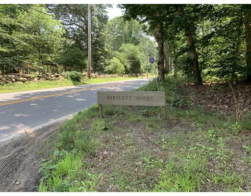 0 Bartlett Woods, Chilmark, MA 02535