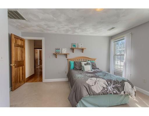 35 Avery Lane, Andover, MA 01810