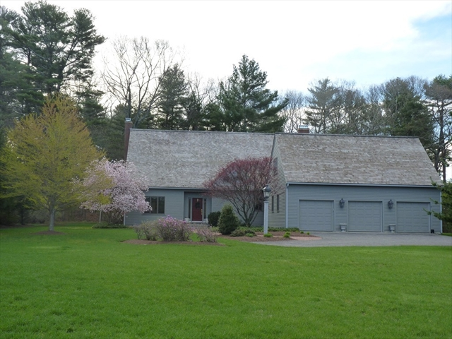 6 Fiske Pond Rd, Holliston, MA, 01746, Middlesex Home For Sale