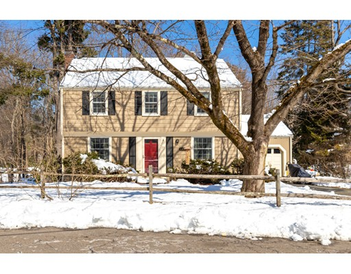 19 WOODLAND Drive North Reading MA 01864