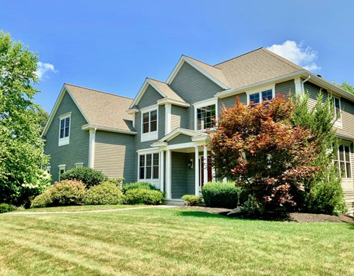 28 Overlook Drive, Bedford, MA 01730