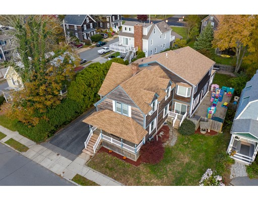 33 Fort St, Fairhaven, MA 02719