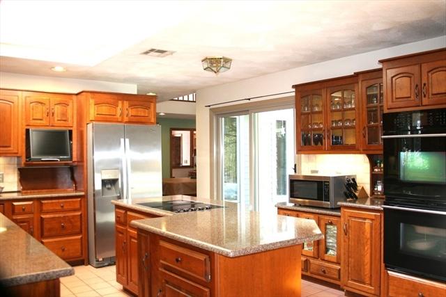 16 Brookstone Road Lakeville MA 02347