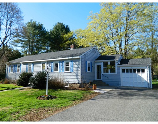 11 LAWRENCE Circle Medfield MA 02052