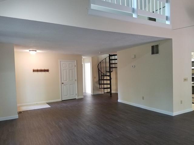 135 Spyglass Hill Dr, Ashland, MA, 01721,  Home For Sale