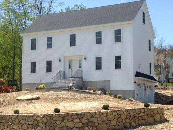 1550 Mammoth Rd, Dracut, MA, 01826, Middlesex Home For Sale