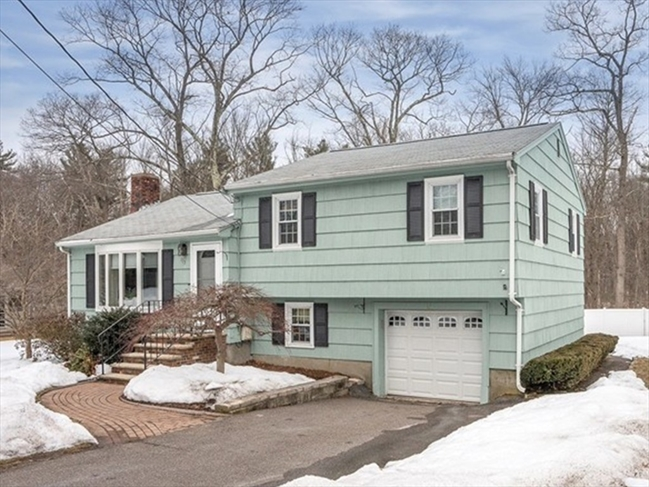 113 Central Street North Reading MA 01864
