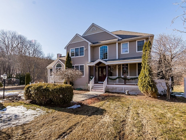 117 Davis Rd, Dracut, MA, 01826, Middlesex Home For Sale