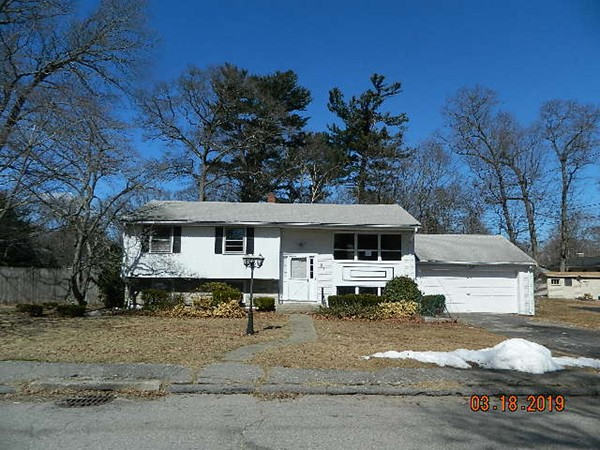 Stupendous 4 Green St Randolph Ma 02368 240 000 4Pointsrealty Home Remodeling Inspirations Genioncuboardxyz