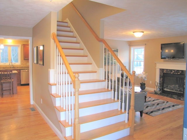 34 Hopkins St, Wilmington, MA, 01887, Middlesex Home For Sale