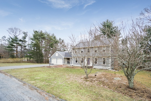 2 Arrow Lane Acushnet MA 02743