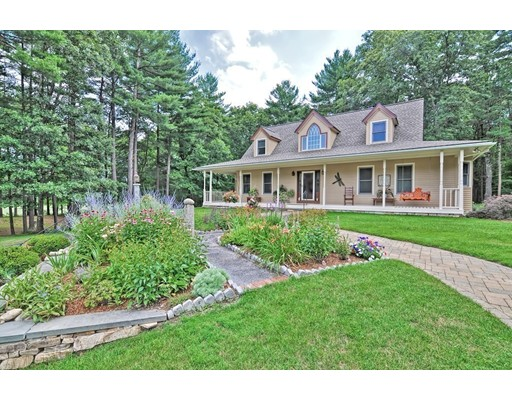 142 Country Club Dr, Northbridge, MA 01588