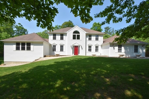 15 Old Hickory Rd, Tyngsborough, MA, 01879, Middlesex Home For Sale