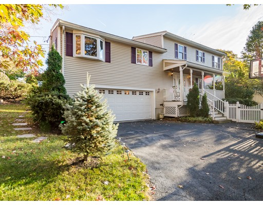 8 Grandview Ave, Burlington, MA 01803