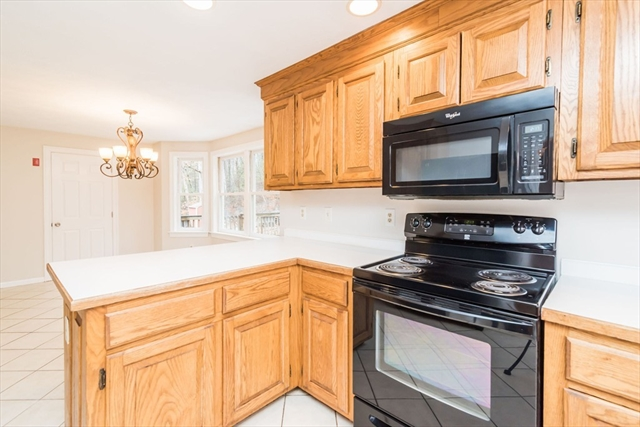 285 Kemp St, Dunstable, MA, 01827, Middlesex Home For Sale