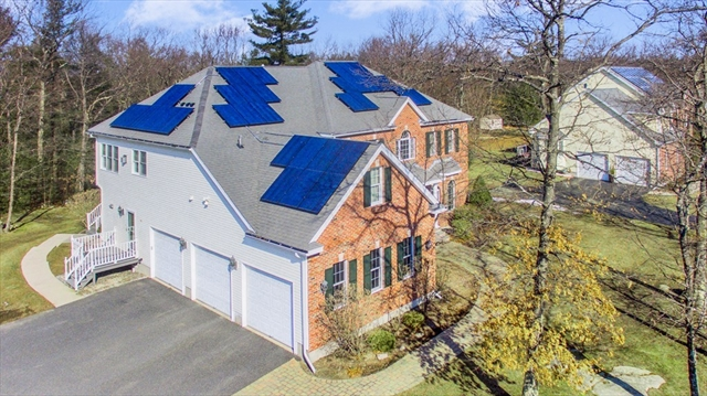 51 Mohawk Path, Holliston, MA, 01746, Middlesex Home For Sale