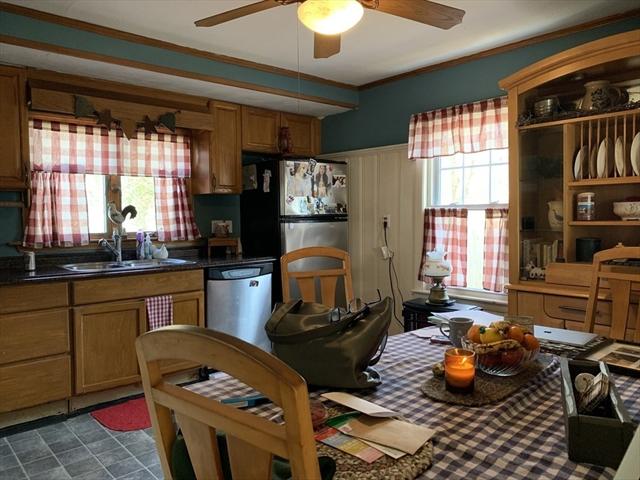 8 Philbrick St, Groveland, MA, 01834, Essex Home For Sale