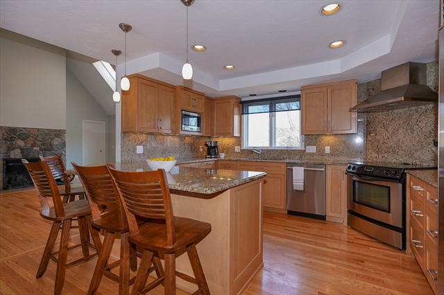 90 Bald Hill Rd, Holliston, MA, 01746, Middlesex Home For Sale