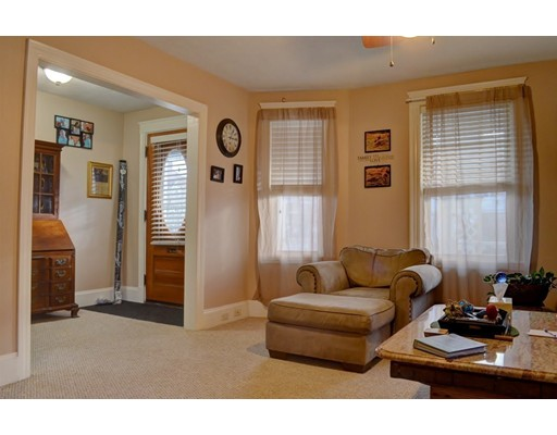 4 Bedford St, Quincy, MA 02169