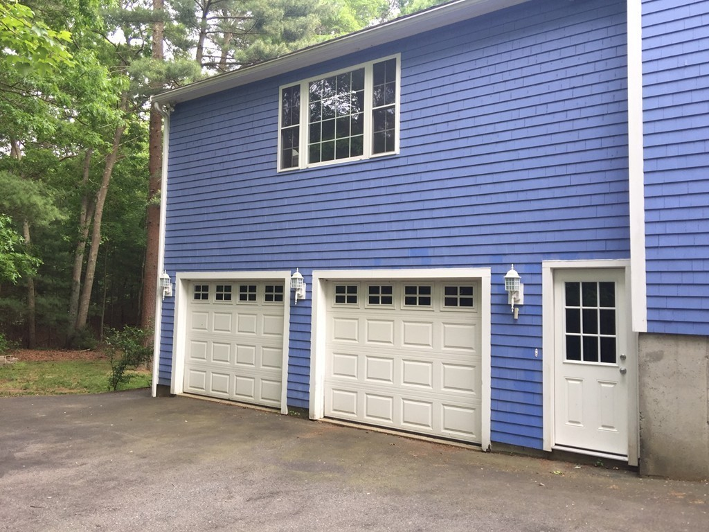 Raised Ranch Homes For Sale In North Dighton Ma Verani Realty