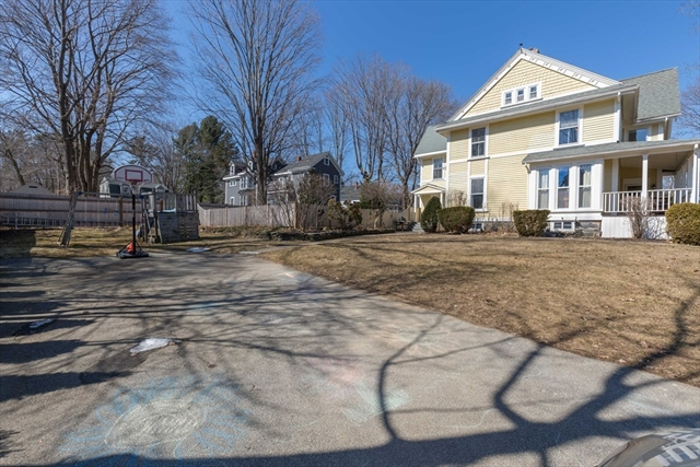 14 Woodland St, Merrimac, MA, 01860, Essex Home For Sale