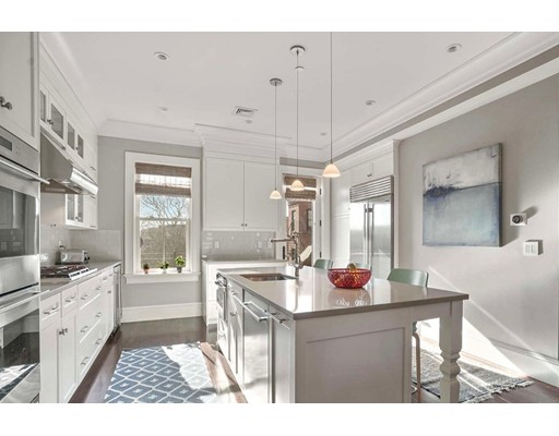 Condominium/Co-Op for sale in 528 Columbus Ave South End, Boston, Suffolk