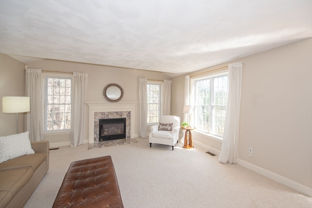 90 Adams St, Dunstable, MA, 01827, Middlesex Home For Sale
