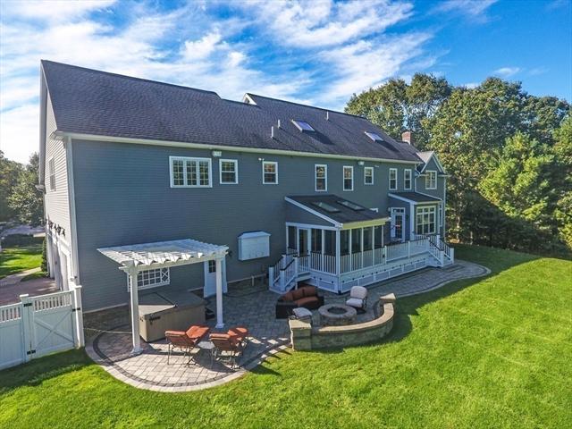 34 MINUTEMAN ROAD, Medfield, MA, 02052, Norfolk Home For Sale