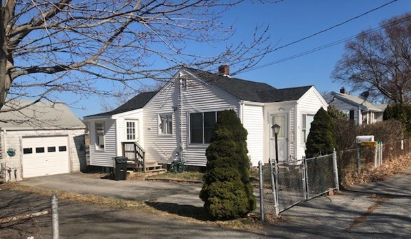 45 Little Neck Avenue Swansea MA 02777
