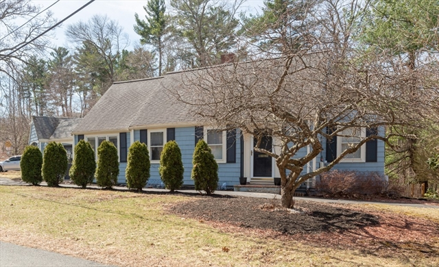 63 Canterbury Rd, Lynnfield, MA, 01940, Essex Home For Sale