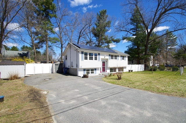 14 Wicasse Rd, Tyngsborough, MA, 01879, Middlesex Home For Sale