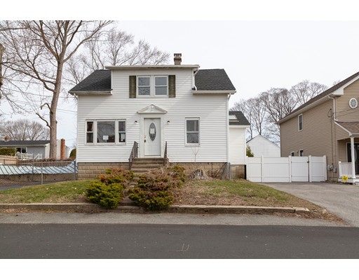 18 Calumet Ave, Johnston, RI 02919