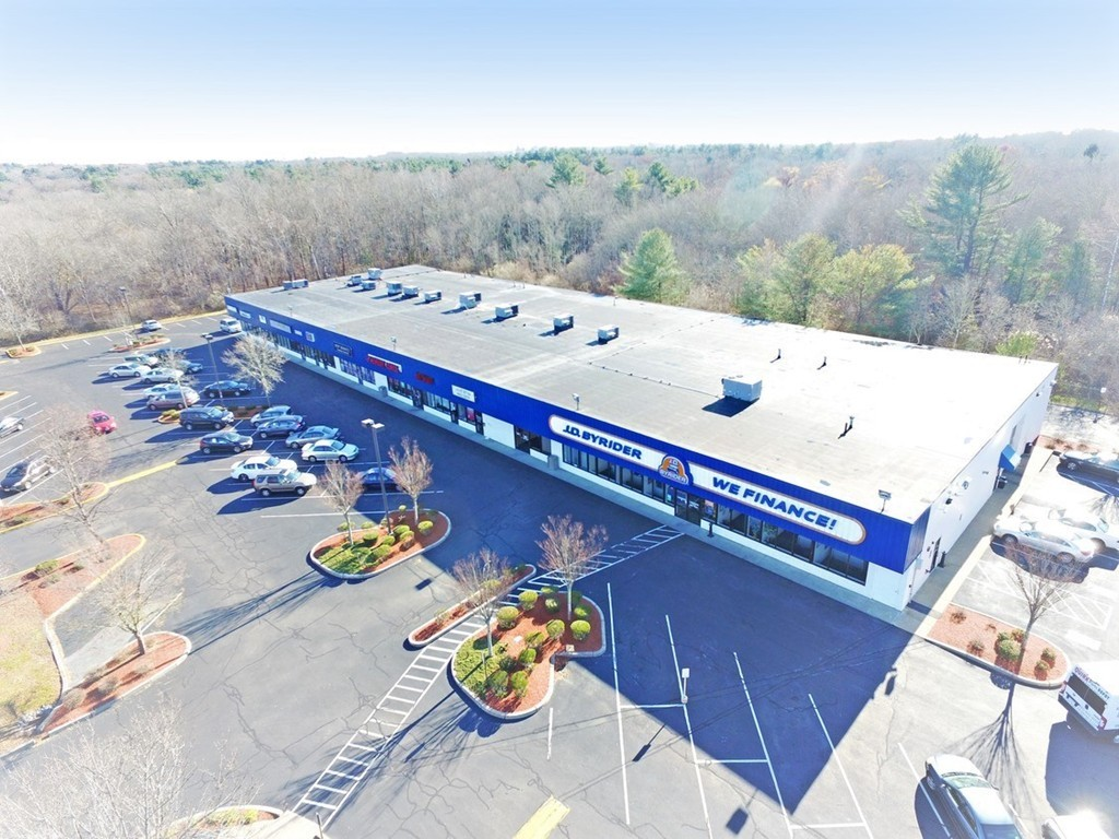 Landmark Dartmouth Retail Plaza Space for LEASE across from Dartmouth Mall!  1,500 SF Suite. Close to UMASS Dartmouth.  Easy access to Rt. 195. High traffic count. Loads of Parking.  Neighboring tenants include JD Byrider, Top Nails, Hot Bodeez Tanning, Soares Karate Studio, Testing Center & Slades Formal Wear.  Own food service/entertainment opportunities for this plaza.  Call Today!