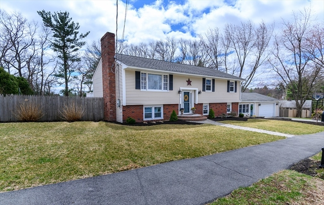 11 STEWART RD, North Reading, MA, 01864, Middlesex Home For Sale