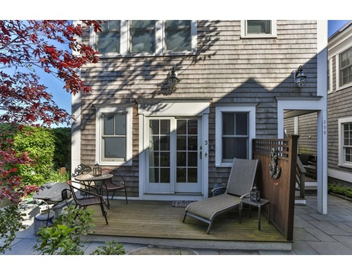 385 Commercial St 3, Provincetown, MA 02657