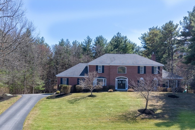 25 Country Rd, Holliston, MA, 01746, Middlesex Home For Sale