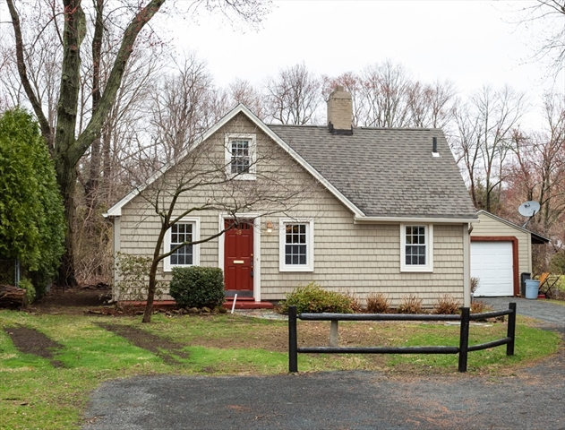 Stupendous 49 Taylor Street East Longmeadow Ma Real Estate Listing Home Interior And Landscaping Palasignezvosmurscom