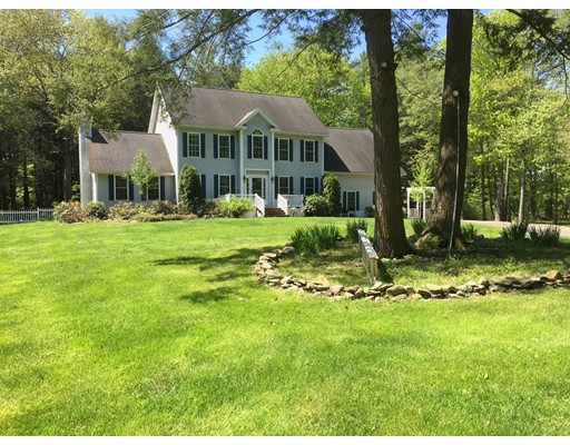 10 Oxbow Farm Rd, Stratham, NH 03885