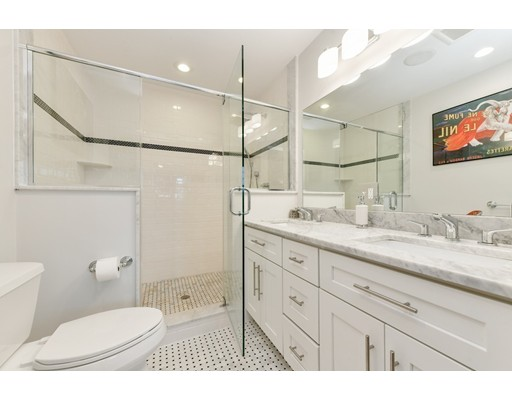 350 W Broadway #9, Boston, MA 02127