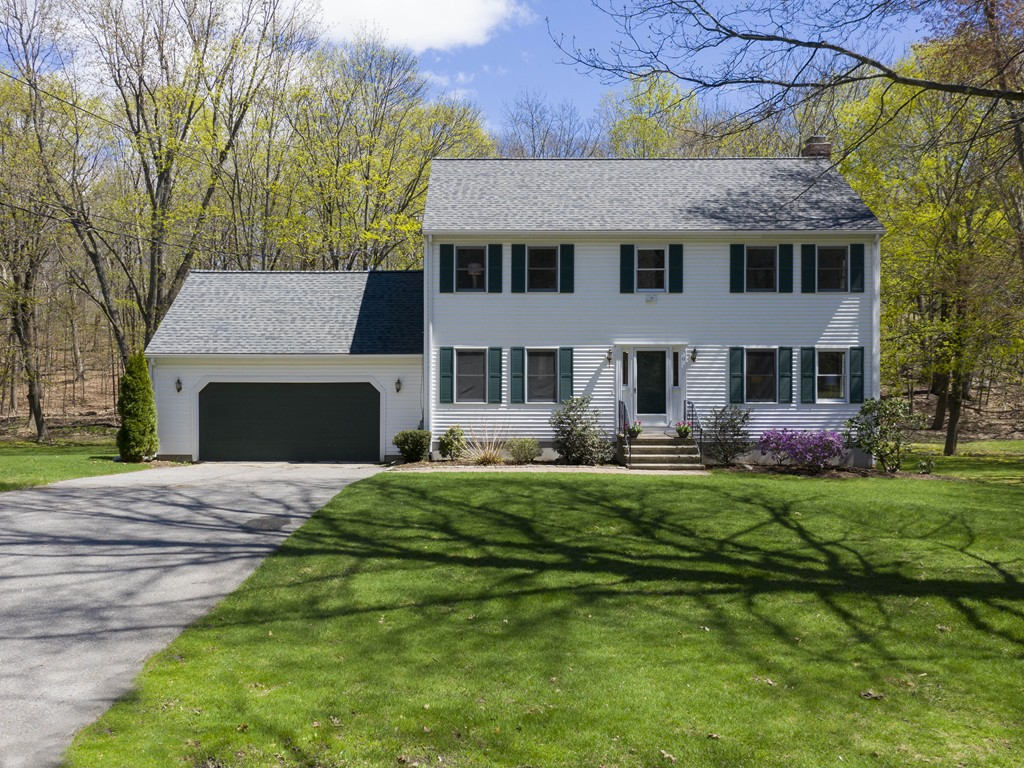 11 Middle St, Natick, MA 01760