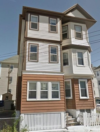 Wonderful three bedroom apartment in North end!  This beautiful apartment has spacious rooms , wood floors, living and dining room ,three large size bedroom,  lots of closet space ,and pantry style kitchen. Owner  will also provide your very  own washer and dryer situated in the basement! Impeccable !